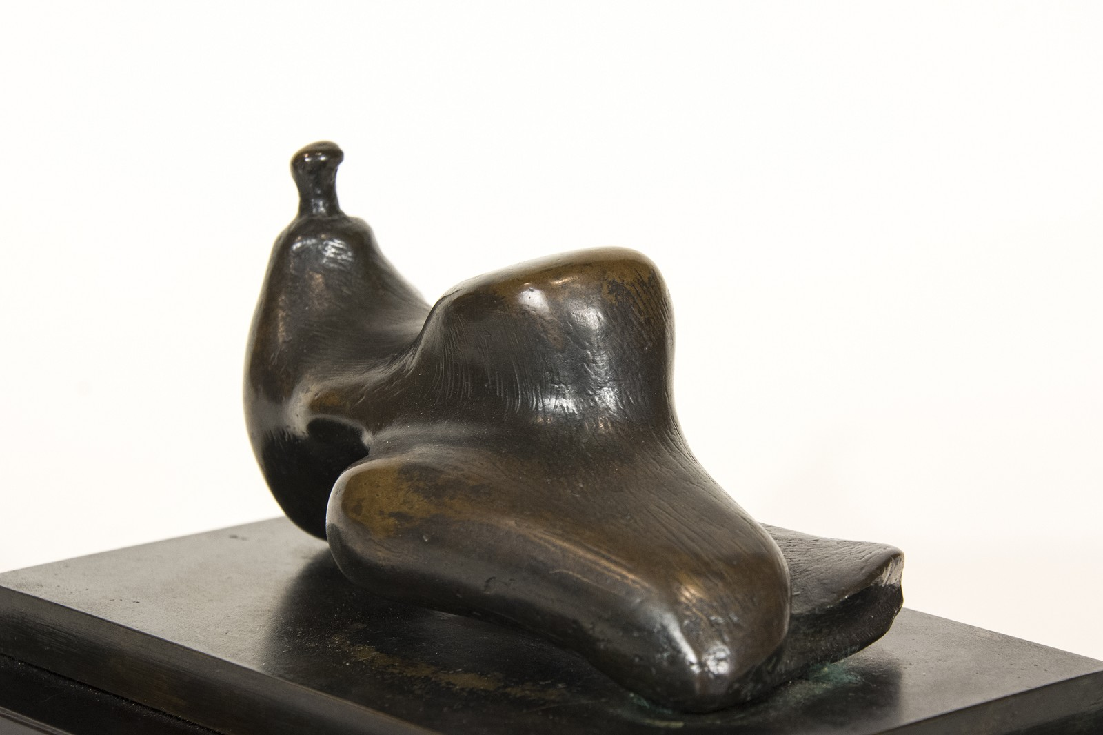 Alternate Views. Reclining Figure ...  sc 1 st  Oeno Gallery & Reclining Figure Small Head by Henry Moore » Oeno Gallery islam-shia.org